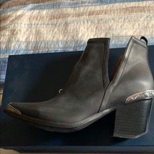 Jeffrey Campbell Western Steel Tip Boots Size 9.5